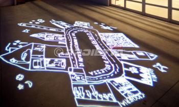 Projektionen künstlerischer Grafiken auf dem Boden