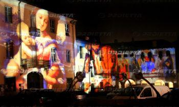 Projektion heiliger Bilder auf großen Fassaden
