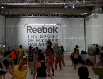 Innenprojektoren für REEBOK Fitnessmesse