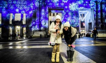 Weihnachtsprojektionen Mailänder Hauptbahnhof