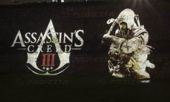 Lucca Comics Projektionen von Logos von Assassin's Creed