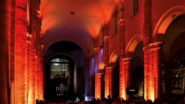 LED-Projektion-Innenraum der Kirche