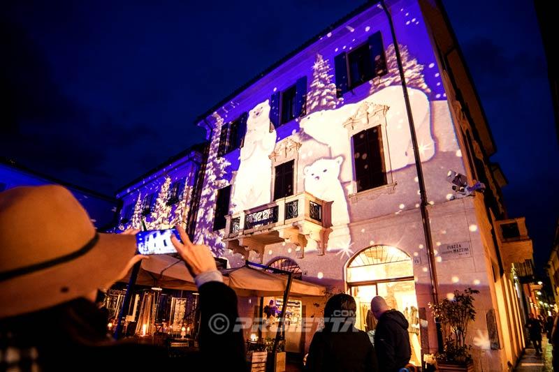 Proiettori di Natale per proiezioni a Como